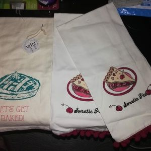 3 NWT Kitchen Tea Towels, Pie Themed
